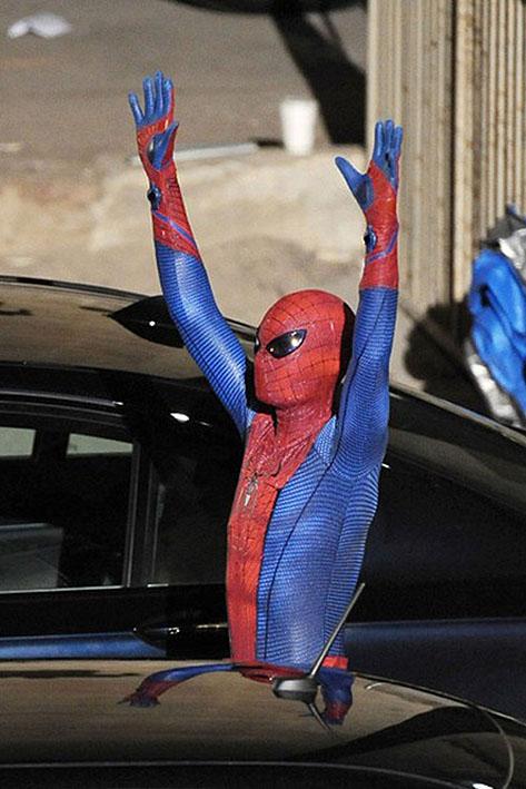 man storyline in june s ultimate spider man no 160 Ultimate Spider Man Peter Parker Costume