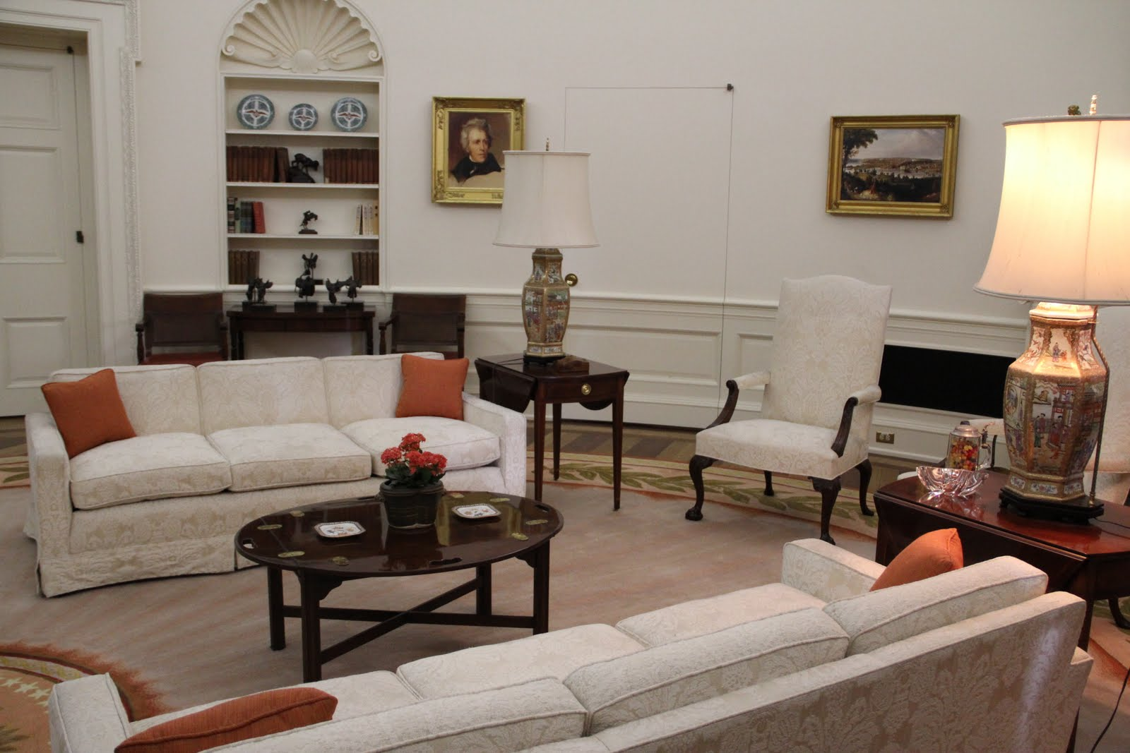 ronald reagan oval office. THIS Is A Replica Of His OVAL OFFICE, Everything In Here Was Office, Except For The Resolute Desk, That Still Oval Office. Ronald Reagan Office O