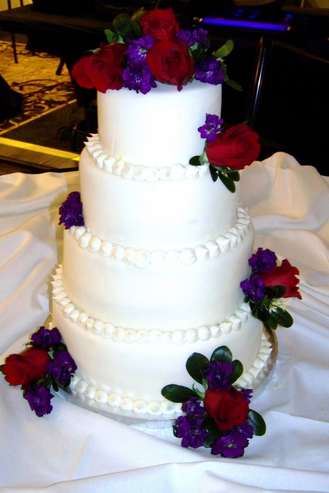 Sweet Cakes and Bakes: WEDDING CAKE