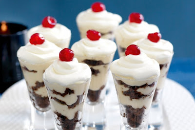 Mini Christmas trifles recipe