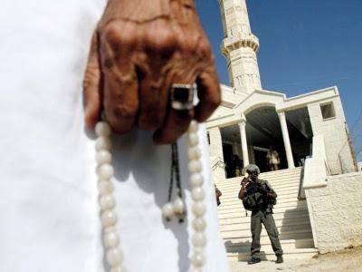 Masjid jadi kedai arak