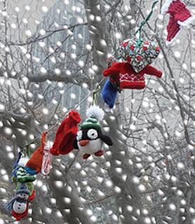 Елочные игрушки вязаные