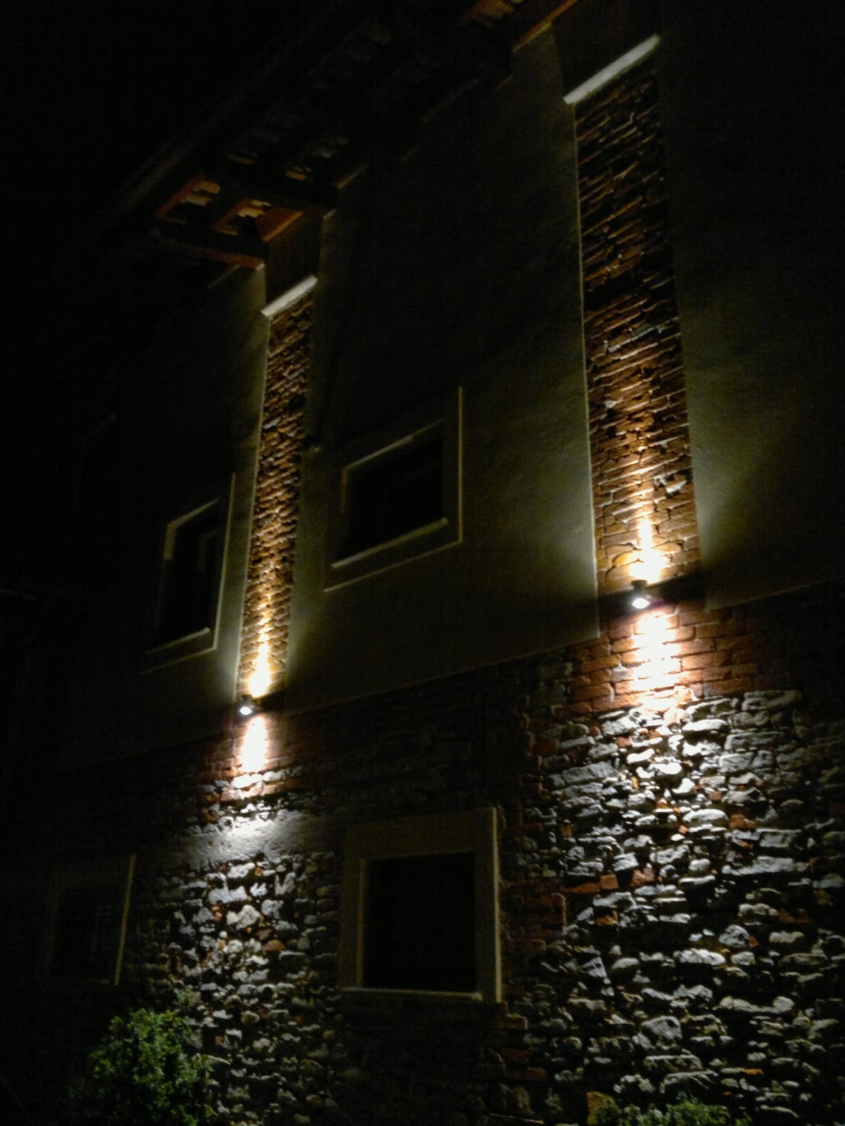 Illuminazione led casa dogliani ristrutturazione cascinale - Luci a led casa ...