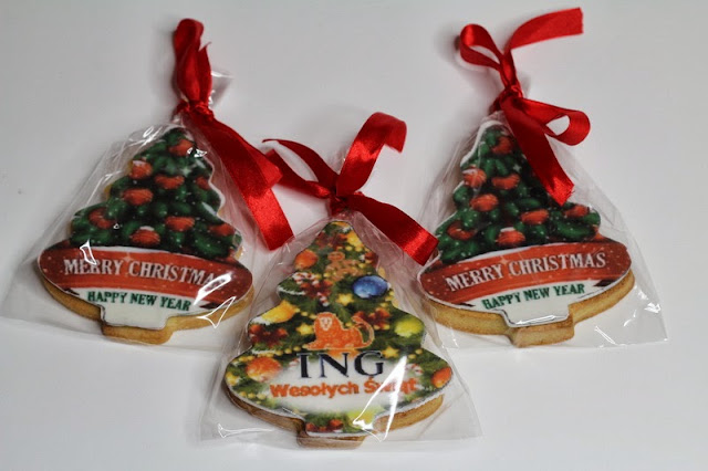 Xmas cookies with printed logo