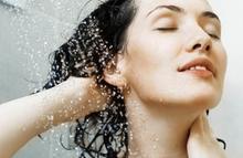 manfaat keramas pakai air dingin