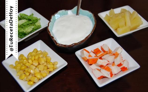 Ingredientes para hacer ensalada de cangrejo o surimi
