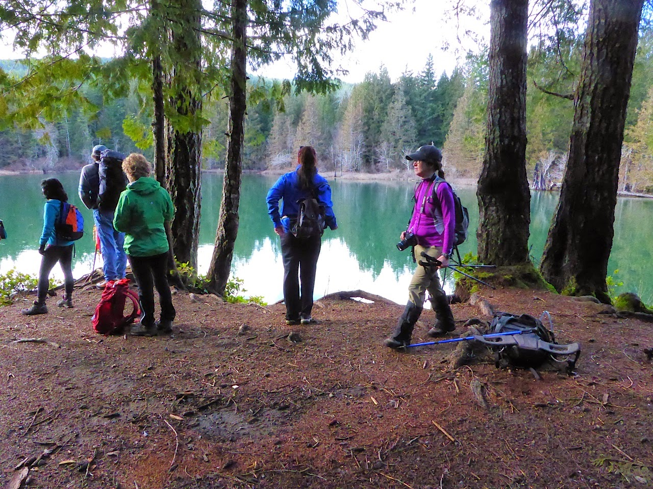 Island Mountain Ramblers hiking the Puntledge River in Courtenay