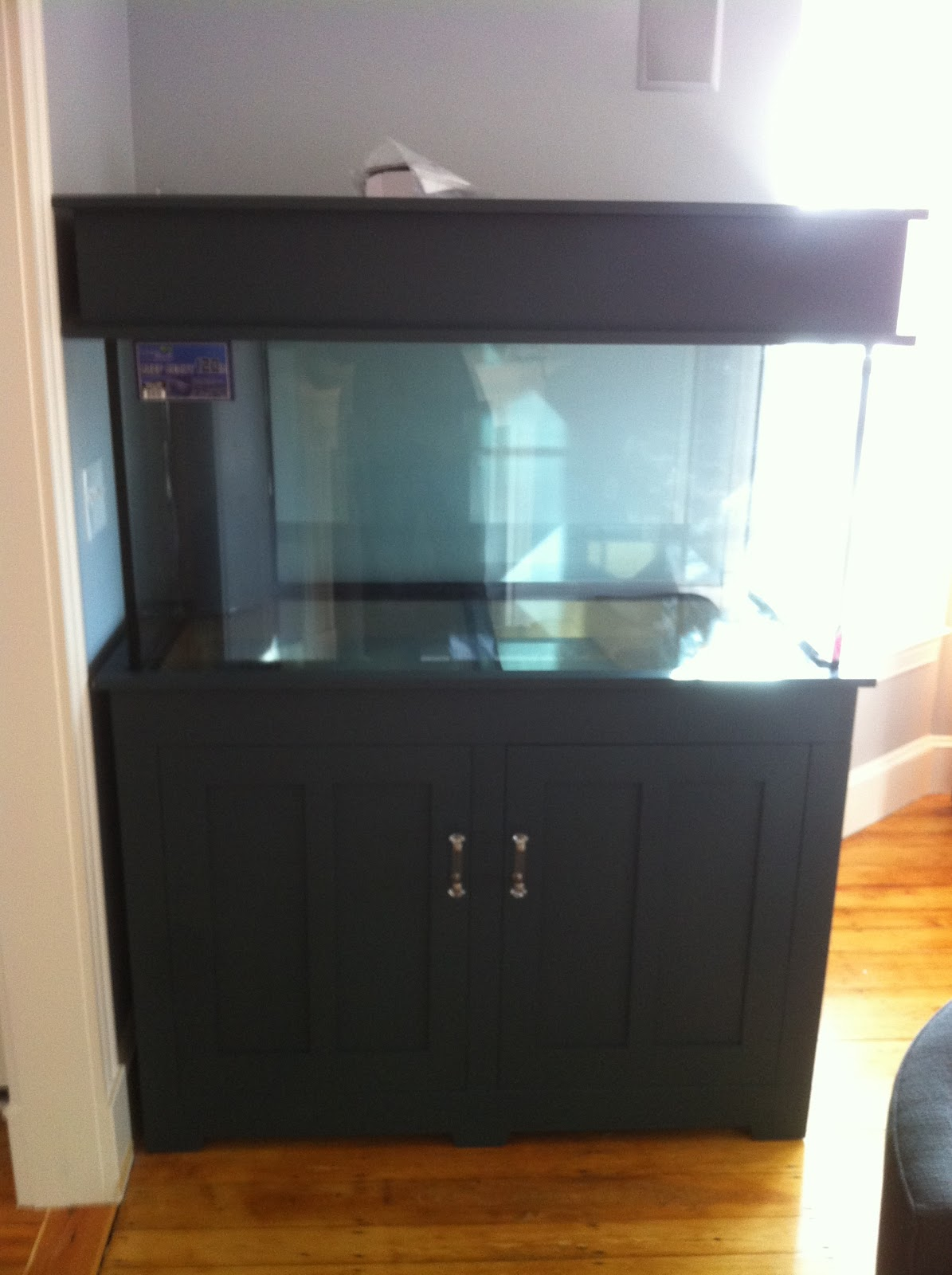 Idvw design aquarists for Tank furniture