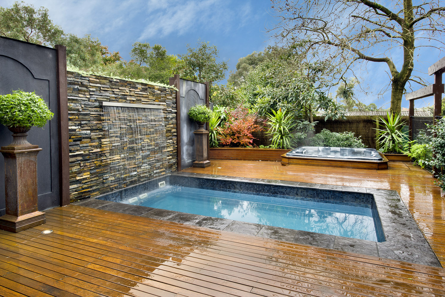 Endless spas endless spa on site swim spa inspections for Swimming pool spa designs