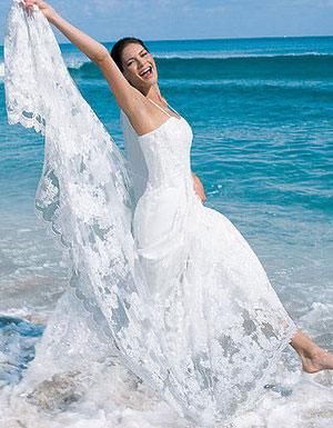 Casual beach wedding dresses best wedding theme for Casual wedding dresses for the beach
