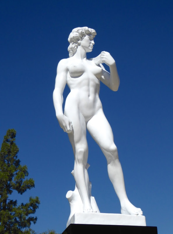 Michelangelo 2020 Tribute to Women sculpture Mauro Perucchetti