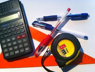 Material escolar necesario: bolígrafo, calculadora, regla, metro, etc.