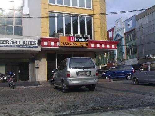 LJ Hooker Candi Sultan Agung