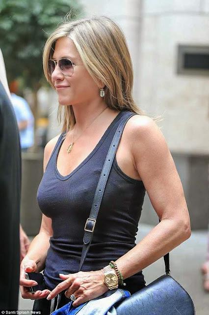 Jennifer Aniston profile