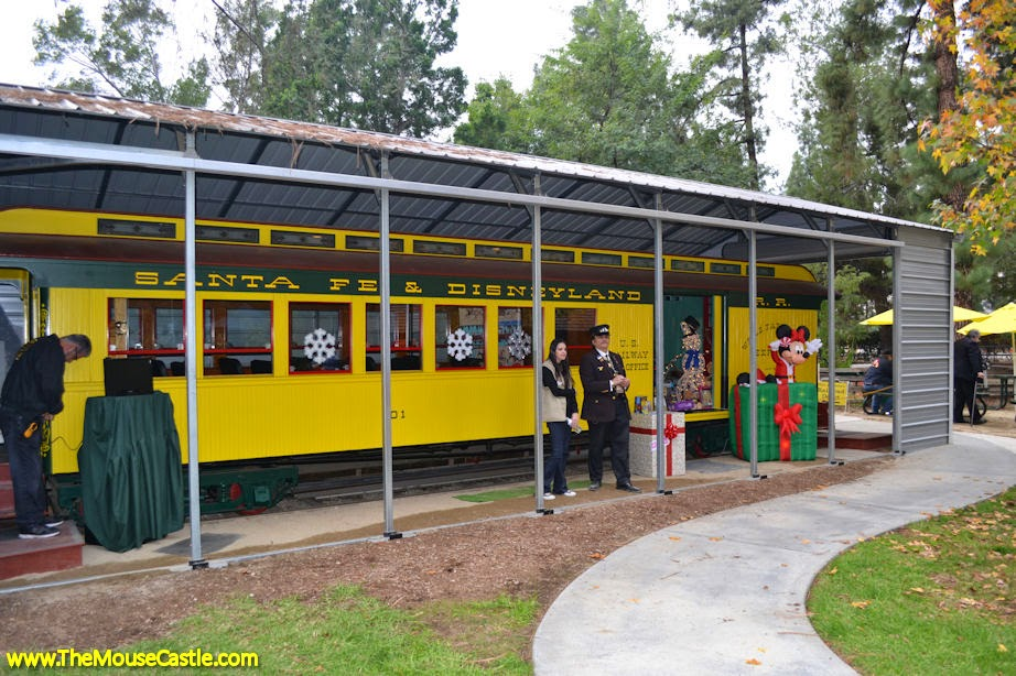 Santa Fe & Disneyland Railroad Combine Car