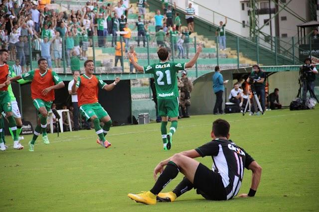 Chapecoense empata com Figueirense e mantém tabu.