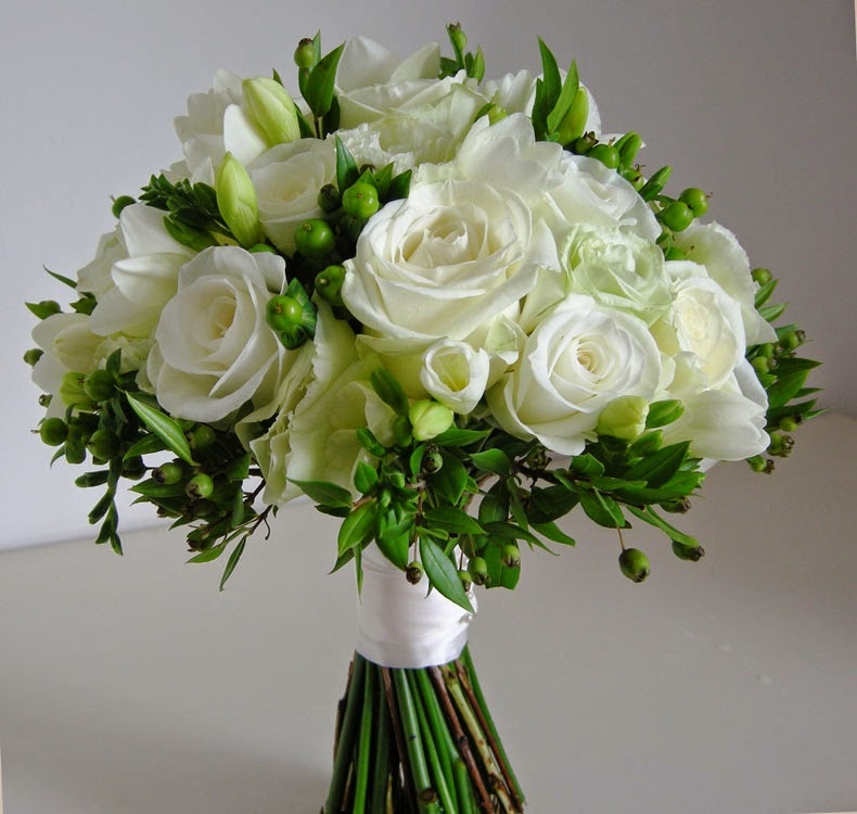 White And Green Flowers Bouquet - Fresh Flowers