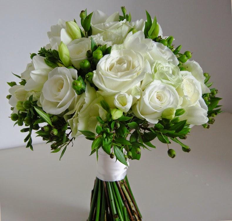 White And Green Flowers Bouquethttprefreshrose