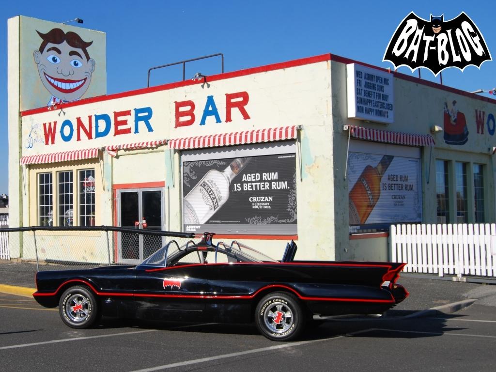 http://1.bp.blogspot.com/-7oaCpepNnXs/UWs4AE2xJhI/AAAAAAAAbDg/MN20ad4koPI/s1600/wallpaper-Asbury-Park-1966-batman-batmobile-2.jpg