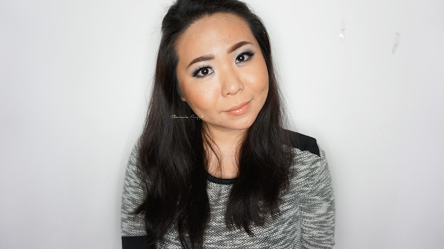 Soft grey makeup look with la girl brick smokey palette, perfect color for wedding makeup. Trend warna untuk makeup pengantin, belajar wedding makeup. Natural look with grey eyeshadow