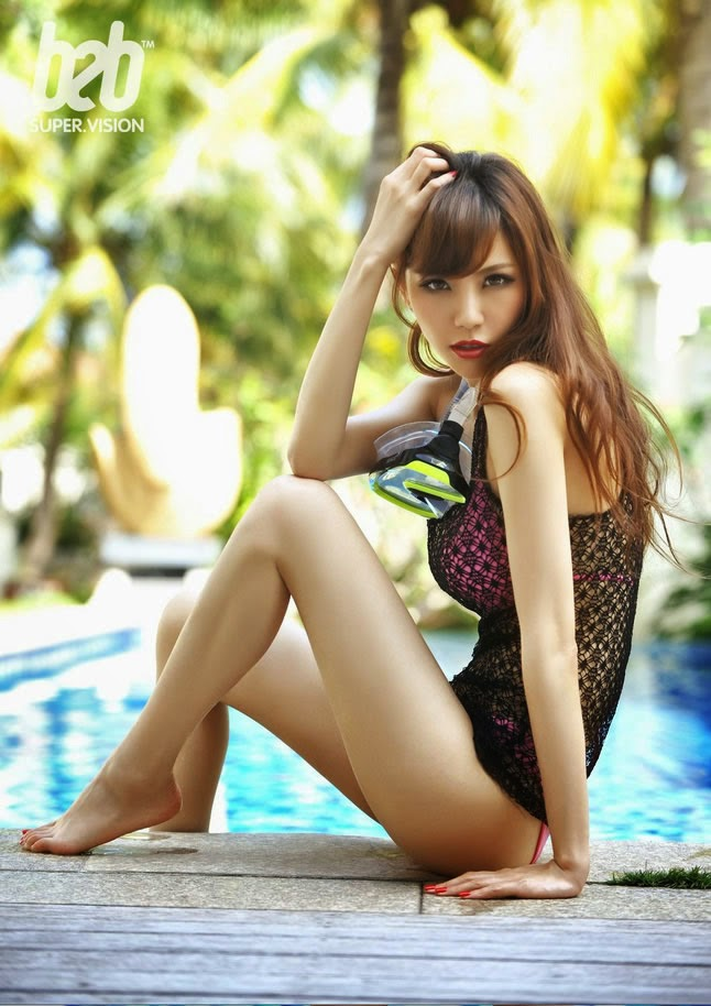 Sexy - bikini Charming legs, Ye Zi Xuan swimming pool photo
