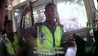 Polisi Tilang Turis di Bali