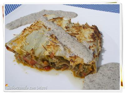 Canelones de puerros con verduras y salsa de champiñones