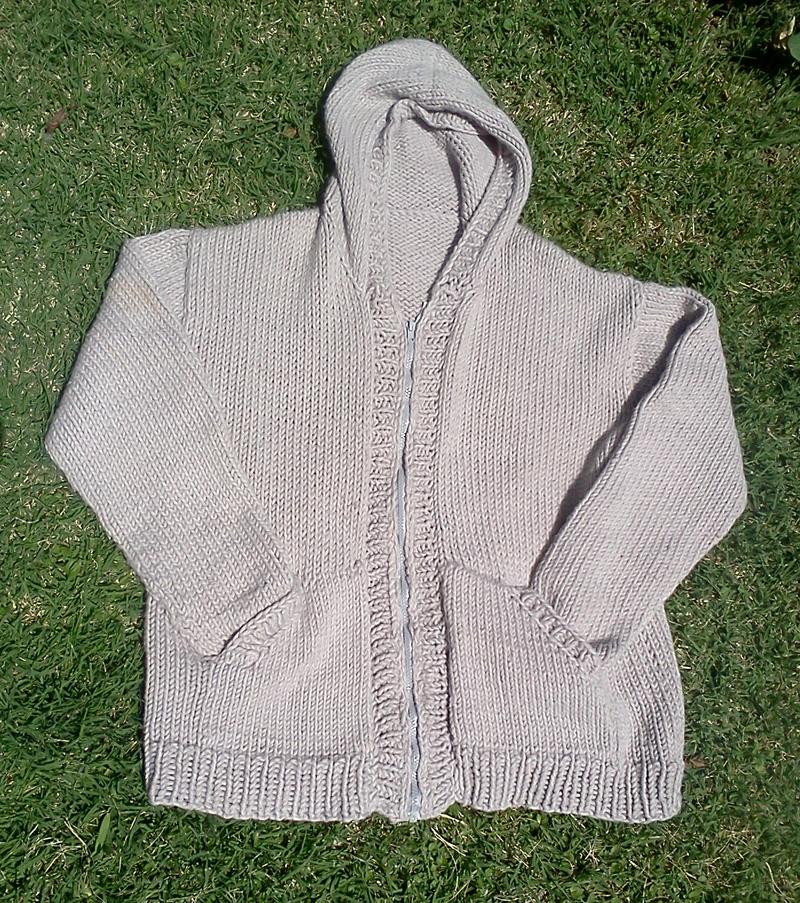 Chaleco de hombre con capucha y bolsillos | Tejedorita