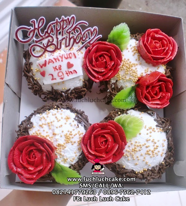 Cupcake Buttercream Mawar Merah Daerah Surabaya - Sidoarjo