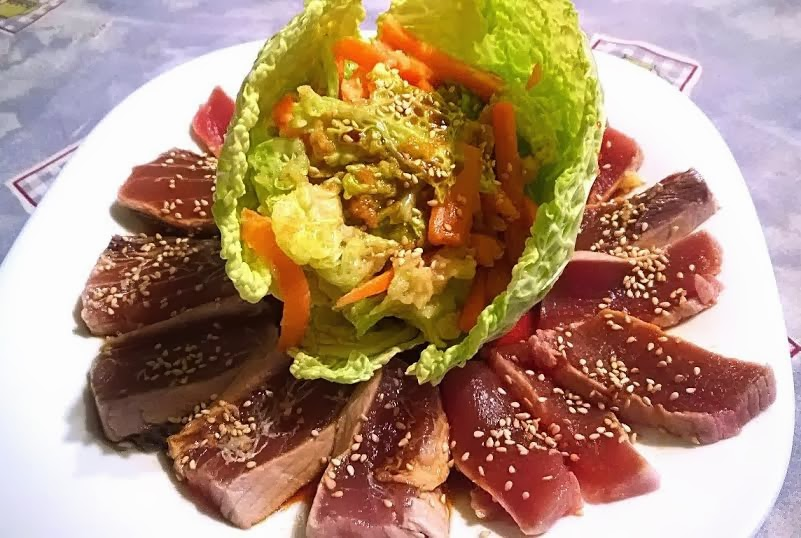 Flor de atún con tempura de verduras