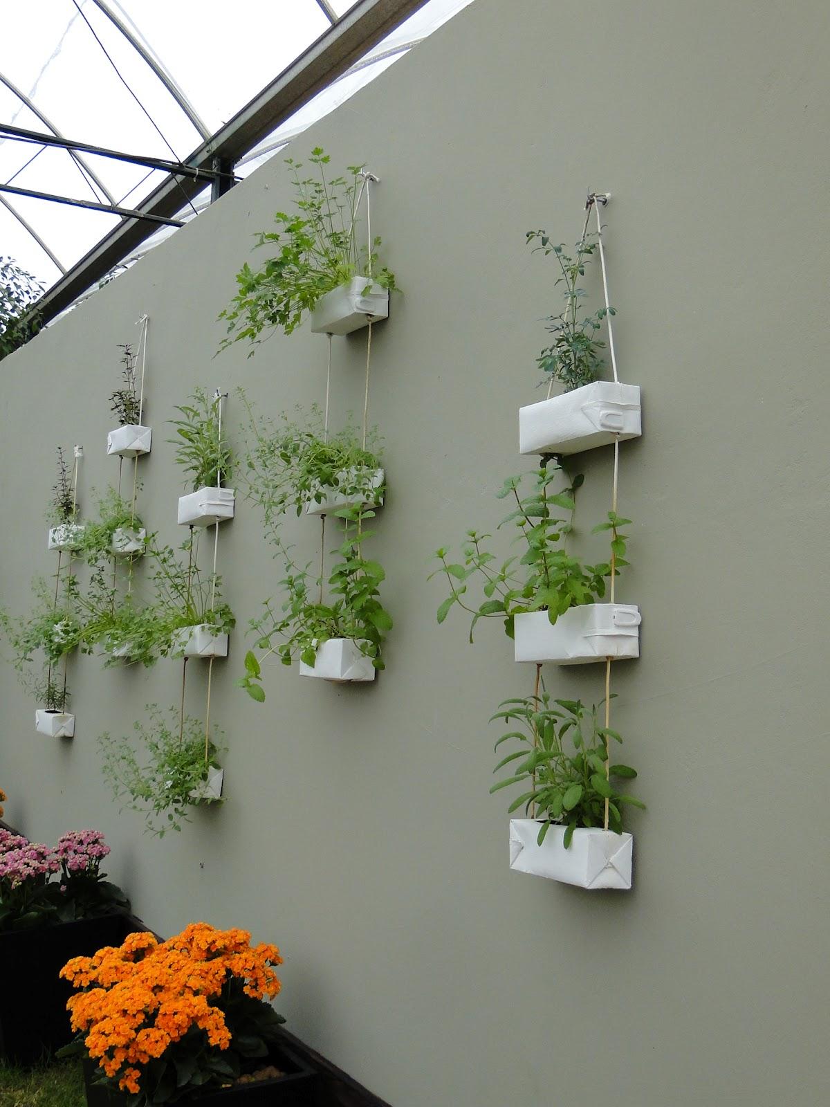 Para fazer esta hortinha suspensa (1 trio de vasos) #C24B06 1200x1600
