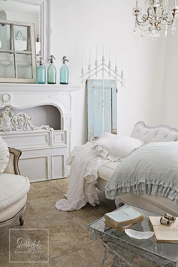 Spring Living Room Styling - shabbyfufu.com