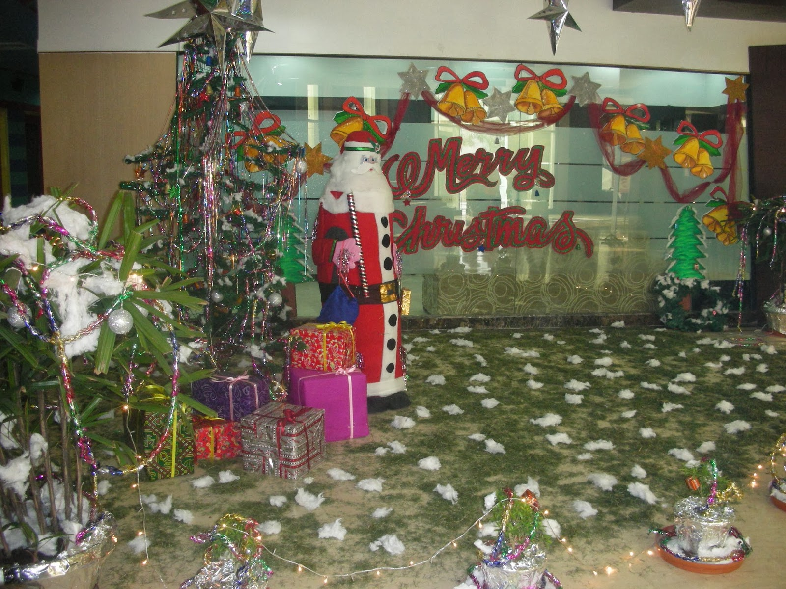 Decorating Ideas > Art ,Craft Ideas And Bulletin Boards For Elementary  ~ 222859_Christmas Decorating Ideas For Elementary School