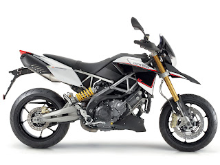 2012 Aprilia Dorosoduro 1200 Motorcycle Photos 2