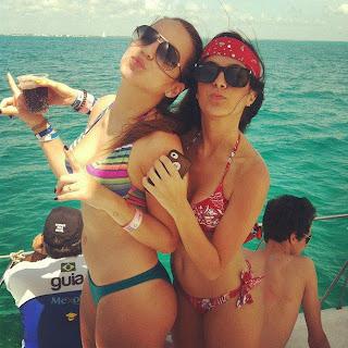 %25C3%2589+TUDO+FAKE Garotas lindas e gostosas de biquíni   Bikini Girls (fotos e vídeos)