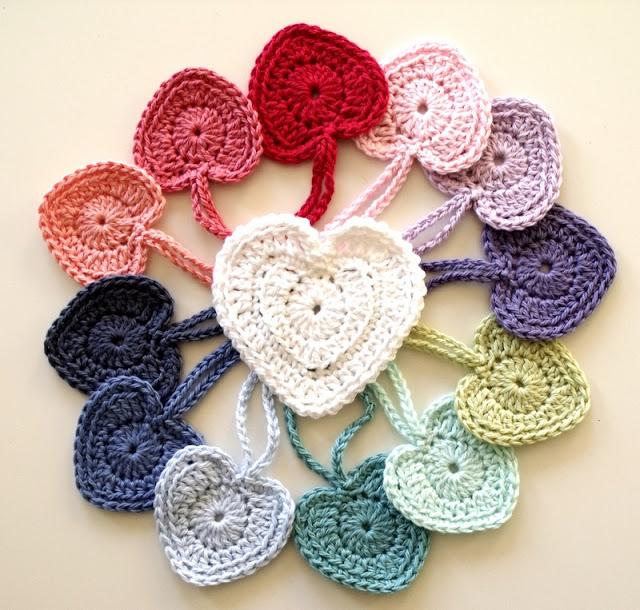 crochet patterns, hearts, heart bunting, heart garland, heart motifs,