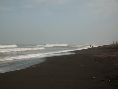 Pantai Kuwaru di Bantul, Yogyakarta