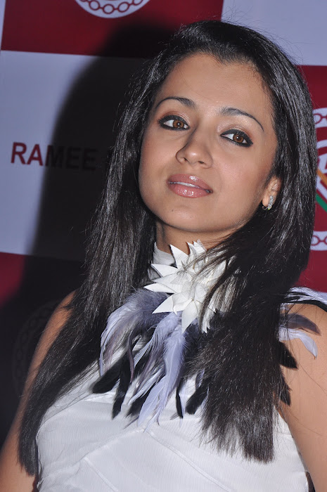 trisha new @ ramee mall launch latest photos