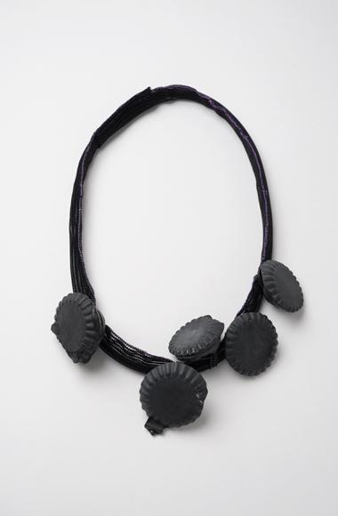 http://1.bp.blogspot.com/-7qFQ0gvhPdQ/TbE-FHkBMoI/AAAAAAAAB3I/j6bdQ0XNTJA/s1600/MiaMaljojoki-black.jpg