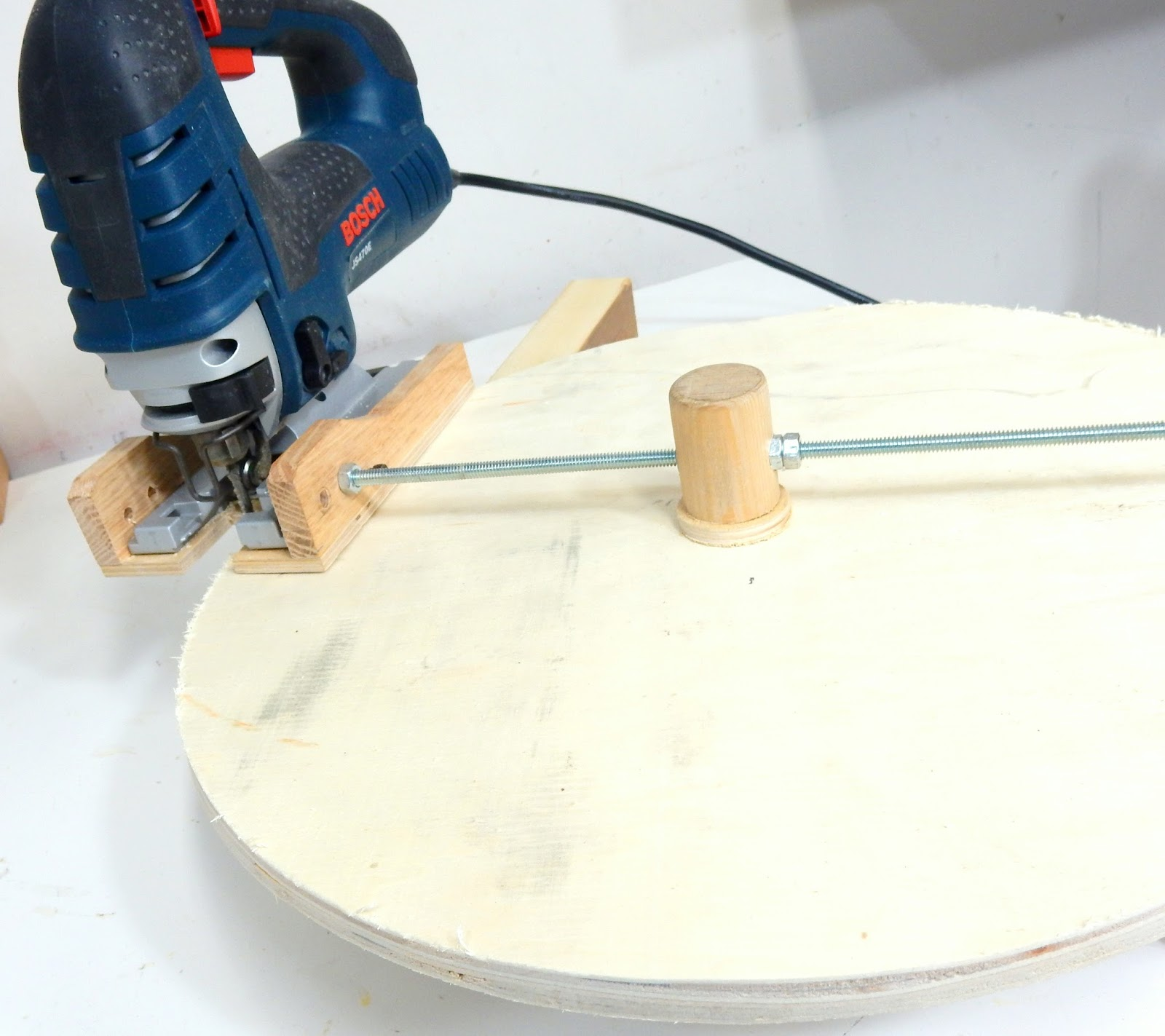 Jax design jigsaw circle cutting jig for How to slice wood
