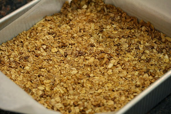 how to put parchment paper in a square pan
