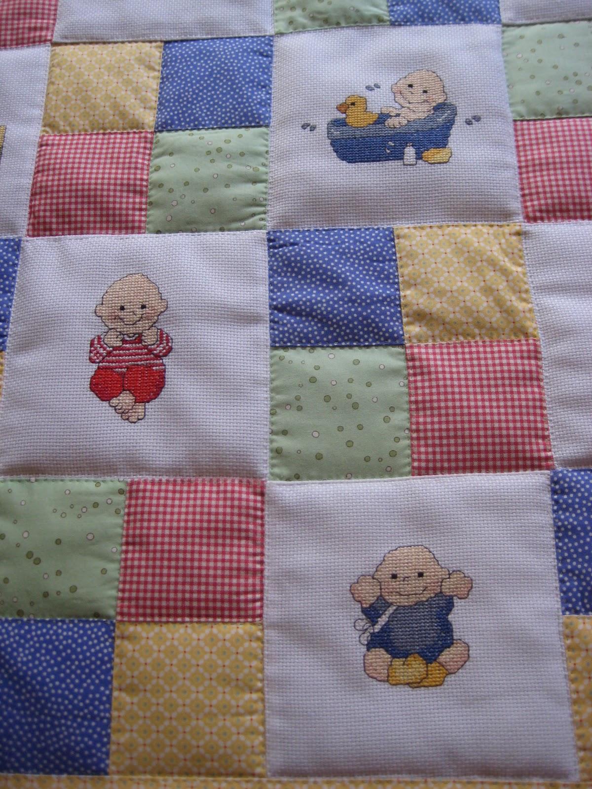 Saraibartesania colcha infantil de patchwork y bordados a punto de cruz - Colcha patchwork ...