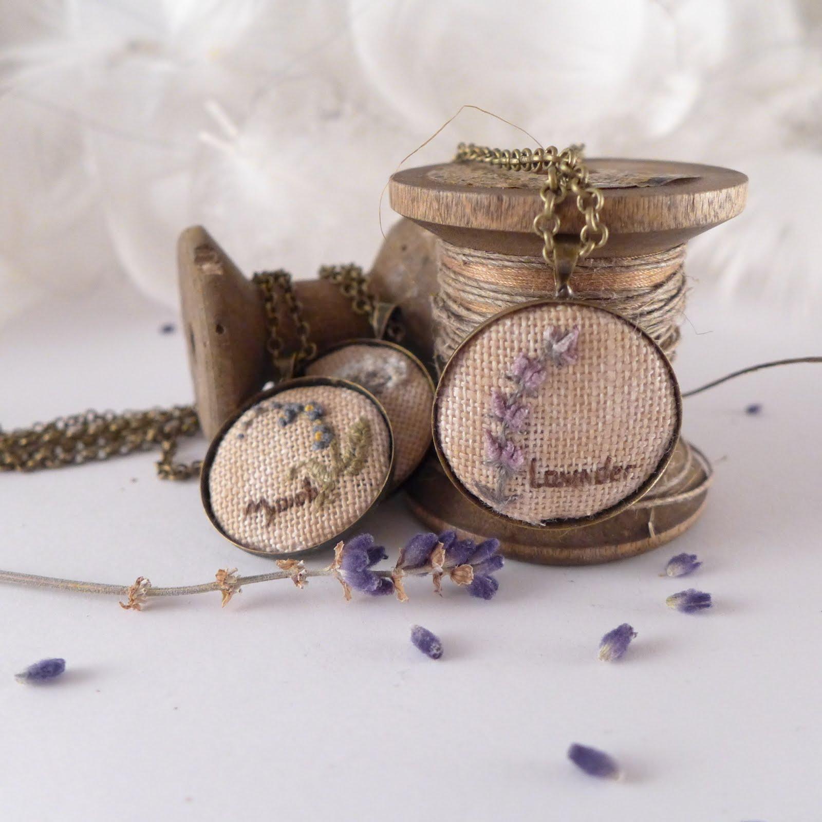 Biżuteria haftowana