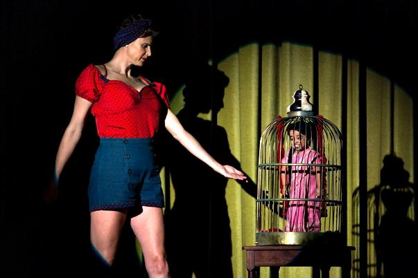 American Horror Story: Freak Show (4x01)