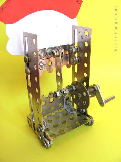 поделка из железного конструктора Щелкунчик