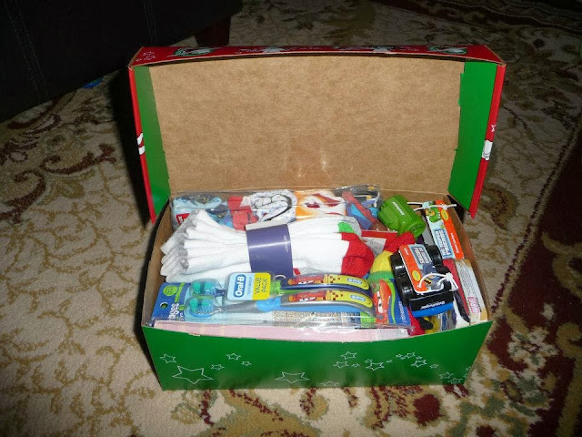 packing ideas for Operation Christmas Child boxes of different ages, OCC box ideas, Operation Christmas Child,