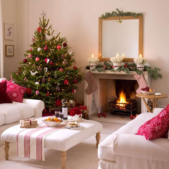 Home interior design christmas living room decorating ideas for Christmas living room ideas