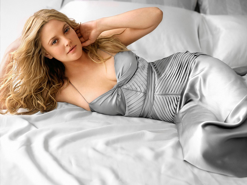 http://1.bp.blogspot.com/-7rMSgBPevmw/To1A7qrYSDI/AAAAAAAAAig/1ZIT3HHvuZY/s1600/Drew-Barrymore-Hot-Hollywood-Actress-Wallpapers-01.jpg
