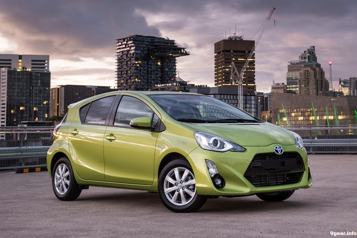 eco advanced 2015 toyota prius c i tech car reviews new car pictures for 2018 2019. Black Bedroom Furniture Sets. Home Design Ideas