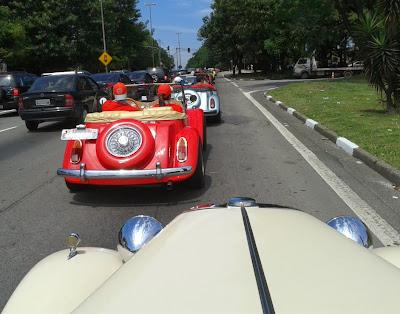A bordo do primeiro protótipo do MP Lafer: avenidas congestionadas até no sábado.